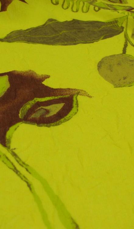 Polyester geel met bloemen