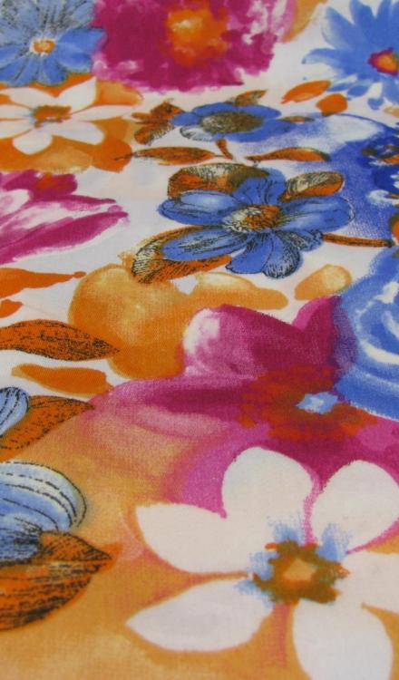 Katoen oranje blauw en roze bloem Rijs