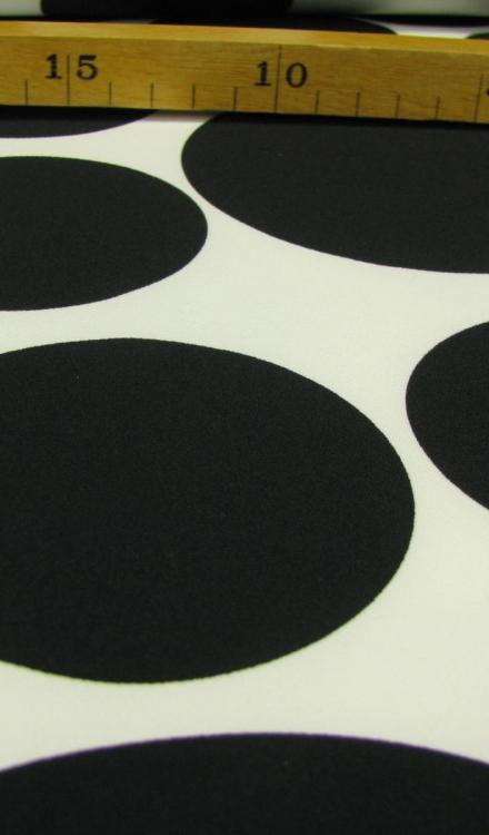 Bolletje zwart witte ondergrond Arella