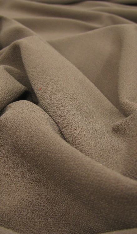crepe tricot taupe